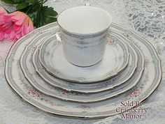 Vintage Noritake Japan Ivory China Rothschild #7293 Pink Blue Floral 5 Piece Place Setting C004
