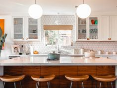 A kitchen island can be a source to introduce visual appeal to your kitchen as well. You can design your kitchen island with different themes such as farmhouse, rustic, modern, or vintage, you name it. Kitchen And Bath, New Kitchen, Kitchen Decor, Kitchen Furniture, Kitchen Cost, Kitchen Vinyl, Kitchen Office, Kitchen White, Kitchen Interior