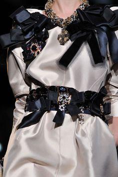 DGMMaschio <3   Dolce & Gabbana  Bonjour,nous sommes Katarina et Violeta. Nous adorons la mode