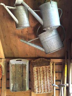 Toen ik het schuurtje zag, was ik verkocht! - Anita Home Blog Rattan, Wicker, Watering Can, Was, Shed, Blog, Canning, Garden, Healthy