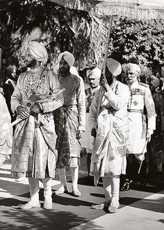 Maharaja Yaghavindra Shingh of Patiala in a procession, 1940. History, India