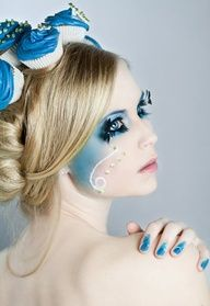 Model: Antje MUA&Hair/Photo&PP: Kiara Black Photography Assistent: Maddy And yes. These are real cupcakes made by myself w w w . Cakes - Blue Cupcakes I High Fashion Makeup, Look Fashion, Fashion Hair, Blue Fashion, Black Photography, Fashion Photography, Best Beauty Tips, Beauty Hacks, New Makeup Ideas