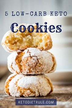 5 delicious low-carb keto cookie recipes to enjoy… and won't kick you out of ketosis. 5 delicious low-carb keto cookie recipes to enjoy… and won't kick you out of ketosis. Healthy Low Carb Dinners, Healthy Low Carb Recipes, Low Carb Dinner Recipes, Low Carb Desserts, Healthy Fats, Fast Low Carb, Low Carb Keto, Keto Cookies, Biscuits