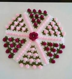 This Pin was discovered by Era Crochet Flower Patterns, Baby Knitting Patterns, Crochet Flowers, Irish Crochet, Knit Crochet, Crochet Circles, Crochet Projects, Diy And Crafts, Daisy