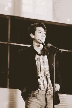 Chanyeol, Sehun Hot, Exo, Celebrity List, Chinese Boy, Knock Knock, Boy Bands, Rapper, Hipster
