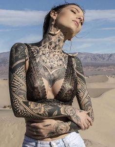 Chest Tattoo Designs Female, Tribal Chest Tattoos, Cool Chest Tattoos, Chest Tattoos For Women, Chest Piece Tattoos, Sexy Tattoos, Black Tattoos, Female Tattoo Models, Female Chest Tattoo