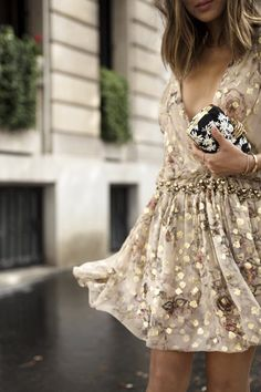 romantic dress, gold, flowers, fashion, clutch, handbag, gold hardware, hairstyle, gold jewellery