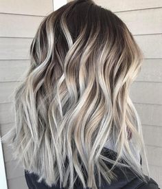 27 Pretty Shoulder Length Hair Styles , We have collected the trendiest shoulder length hair styles that you will want to recreate. Find out how to create a cute do with middle length hair. Ash Blonde Hair, Icy Blonde, Beige Blonde, Blonde Hair With Brown Roots, Brown With Blonde Balayage, Ombre Balayage, Long Bob Balayage, Blonde Tips, Blonde Lob