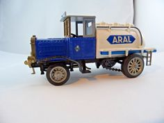 Tankwagen Henschel 1926 Metall Blechspielzeug Made in W-Germany