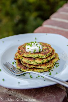 Zucchini fritters    Ingredients for Zucchini Fritters: 1 lb zucchini (about 2 medium) 1 tsp plus ¼ tsp salt 1/4 cup diced green onions or chives 1 large egg, lightly beaten with a fork 1/2 cup all-purpose flour 1/2 tsp baking powder 1/4 tsp ground black pepper Olive oil for frying