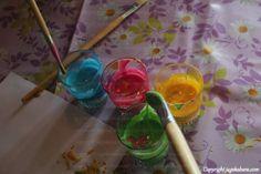 DIY Målfärg som är ätbar. Perfekt för småbarn som vill måla. Barnvänligt pyssel :)