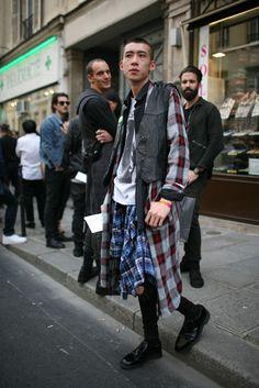 Paris #Fashion Week #PFW #streetstyle Photo by Kuba Dabrowski Via Women Wear Daily #WWD