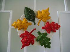 őszi koszorú, ajtó dísz, színes filc, tölgy, platán, bükk