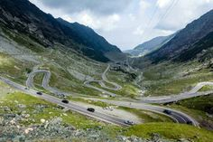 The Transfăgărășan Road, named the world's best road by Top Gear presenter Jeremy Clarkson. Image by Glen Pearson / Lonely Planet.