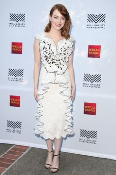 Emma Stone Lace Dress - Emma Stone went the frothy route in a white Rodarte lace dress with black trim and ruffle detailing during the Mill Valley Film Festival opening. Emma Stone Style, Sophie Marceau, Josh Duhamel, Alyson Hannigan, Jennifer Garner, Sandra Bullock, Halle Berry, Celebrity Outfits, Celebrity Style