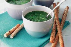 4 december - Rucola in de bonus - Start je diner met een frisse rucolasoep met kruiden - Recept - Allerhande