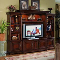 Brookhaven Entertainment Center With Interchangeable Wood/glass Doors By Hooker…