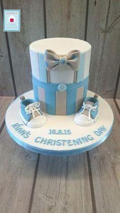 Idee Baby Shower, Baby Shower Cakes, Pretty Cakes, Cute Cakes, Baby Boy Christening Cake, Garden Party Cakes, Baby Birthday Cakes, Novelty Cakes, Cakes For Boys