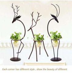 Room decor simple vase Ideas for 2020 Iron Furniture, Steel Furniture, Home Decor Furniture, Garden Furniture, Metal Art Projects, Metal Crafts, House Plants Decor, Plant Decor, European Home Decor