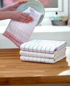 Set of 4 Ultra-Absorbent Towels | LTD Commodities