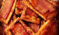 Bacon Crackers Are The Stupid Easy Appetizer You Need To Try Townhouse butter crackers OR Keebler butter crackers are fine too. Square or oval type. 1 package of bacon Brown sugar Cayenne pepper Bacon Appetizers, Recipes Appetizers And Snacks, Finger Food Appetizers, Bacon Recipes, Appetizers For Party, Snack Recipes, Cooking Recipes, Crackers Appetizers, Detox Recipes