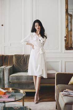 daily 2019 feminine & classy look Modern Fashion Outfits, Korean Fashion Dress, Korean Dress, Ulzzang Fashion, Work Fashion, Casual Outfits, Fashion Dresses, Elegant Outfit, Classy Dress