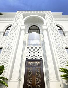 Room Family Villa Modern Arabic Exterior Design 9 - A grand double height entrance to the family vil Morrocan Architecture, Mosque Architecture, Cultural Architecture, Classic Architecture, Architecture Sketches, Architecture Wallpaper, Ancient Architecture, Sustainable Architecture, Landscape Architecture
