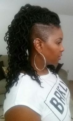 Natural hair with shaved sides FreeTress crochet locs Soft Faux Curly in inch - Crochet Hair Styles Box Braids Hairstyles, Shaved Side Hairstyles, Braided Ponytail Hairstyles, Dreadlock Hairstyles, My Hairstyle, Cool Hairstyles, Black Hairstyles, Mohawk Braid, Curl Styles