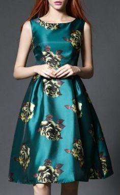 La couleur de cette robe est absolument magnifique!