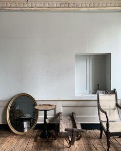 Photo by BlackshoreStyle on September 11, 2020. #Regram via @CFX3VhJHPSv Natural Homes, Natural Home Decor, Old Buildings, Modern Buildings, Vintage Home Decor, Vintage Furniture, Creative Home, Cozy House, Interior Inspiration