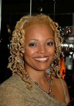 Kim Fields and her dreadlocks provide the veteran TV actress with a modern look showing she has certainly grown up since her Facts of Life d...