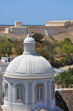 Castro Marim - perto de Faro Faro Algarve Portugal, Portugal Holidays, Winter Sun, Manor Houses, Walking In Nature, Portuguese, Taj Mahal, Gazebo, Landscapes