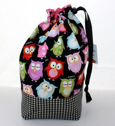 ADORABLE! Knitting project bag, I LOVE this fabric!!