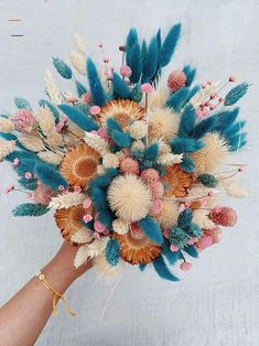 DIY Dried Flower Bouquet - Honestly WTF - #schöneblumen - If you follow me on Instagram, you'll know that I'm in a full fledged dried flower obsession. It all began when my local florist started selling a selection of vibrantly dyed bunny tail grasses. Intrigued…... Dried Flower Bouquet, Flower Bouquet Wedding, Dried Flowers, Flower Bouquets, Bridal Bouquets, Purple Bouquets, Bridesmaid Bouquets, Lotus Flowers, Bridal Flowers