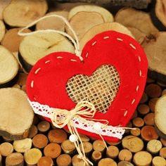 #Duftpotpourri in Herzform: Bastle mit unserer Anleitung ein ausgefallenes Muttertagsgeschenk! Wir basteln ein Duftherz ✓. Bastelidee mit ▶Videoanleitung: http://www.trendmarkt24.de/bastelideen.ausgefallene-muttertagsgeschenke.html#p