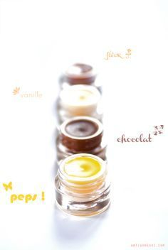 DIY baumes à lèvres avec 4 ingrédients (beurre végétal, huile végétale, cire végétale, huile de germes de blé ou vitamine E) blog d'AntigoneXXI