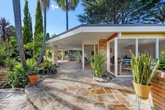 Sold 5 Balmoral Place, Carlingford NSW 2118 on 14 Jun 2017 - 2013583250 Mid Century House, Mid Century Style, Mid Century Design, Modern Buildings, Modern Architecture, Mid Century Exterior, Spring Home, Midcentury Modern, Palm Springs