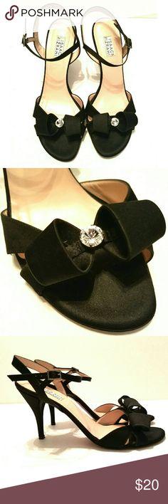 Isaac Mizrahi Heels Worn once. Beautiful shoes!!! Isaac Mizrahi Shoes