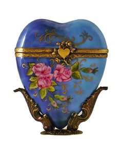 NEW VALENTINES FRENCH LIMOGES BOX MULTI-COLOR BLUE HEART W ROSES ON ORNATE STAND  iandrtravel