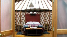 Glamping (otherwise known as luxury camping) is a great option for a last-minute vacation. Feel like a celebrity with these glamping tips . Camping Glamping, Luxury Camping, Apartment Hunting, Apartment Living, Pacific Yurts, Luxury Yurt, Acadia National Park Camping, California Camping, Travel And Leisure