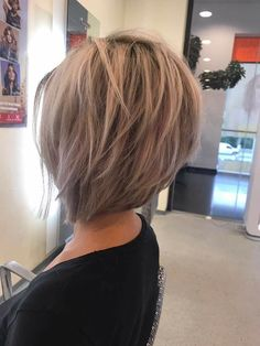 Best Women Hairstyle With Short Stacked Bob You Will Love - Page 11 of 24 - Lead Hairstyles Stacked Bob Hairstyles, Pretty Hairstyles, Inverted Bob Hairstyles, Medium Hair Styles, Short Hair Styles, Great Hair, Short Hair Cuts, Bob Hair Cuts, Short Stacked Hair