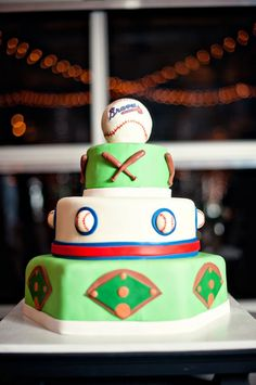Best Picture For Baseball Cake yankees For Your Taste You are looking for something, and it is going to tell you exactly what you are Pretty Cakes, Cute Cakes, Atlanta Braves Cake, Baseball Grooms Cake, Brave Cakes, Baseball Birthday, Baseball Party, Baseball Season, 12th Birthday