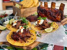 Γλασαρισμένος Μοσχαρίσιος Σιδηρόδρομος με Πίτες Καλαμποκιού - Lambros Vakiaros Tacos, Mexican, Ethnic Recipes, Food, Essen, Meals, Yemek, Mexicans, Eten