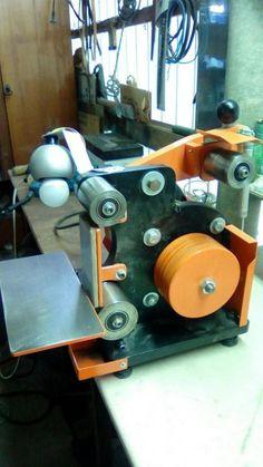 Homemade Tools, Diy Tools, Belt Grinder Plans, Welding And Fabrication, Work Tools, Knife Making, 3d Printer, Metal Working, Engineering