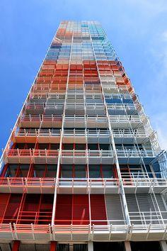Tour la Marseillaise, Quai d'Arenc, Jean Nouvel, Marseille Architecture Design, French Architecture, Residential Architecture, Building Architecture, Jean Nouvel, Social Housing, Color Harmony, Construction, Tour