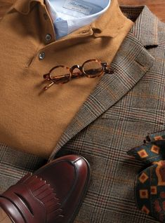 Gentleman style 552676185522791407 - Tan and Charcoal Glen Plaid Cashmere Sport Coat Source by ben_silver Fashion For Men Over 50, Cowgirl Style Outfits, Polo Shirt Outfits, Ivy League Style, Outfits Hombre, Mens Fashion, Fashion Outfits, Street Fashion, Mein Style