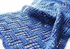 Шарф вязаный спицами геометрическим узором. Схема шарфа спицами. |