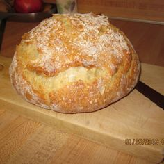 Since I retired in I have been in search of the perfect Crusty Bread recipe. You know, the kind you find in great Italian restaurants that have a gorgeous crackly crust and a chewy inside, perfect for dipping in olive oil? I cannot take credit for Dutch Oven Bread, Dutch Oven Cooking, Dutch Oven Recipes, Cooking Recipes, Cooking Oil, Bread Oven, Healthy Recipes, Pan Relleno, Pinch Recipe