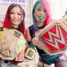 Wwe Female Wrestlers, Female Athletes, Wwe Girls, Wwe Champions, Raw Women's Champion, Wwe Womens, Women's Wrestling, Lets Dance, Professional Wrestling