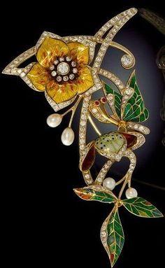 Art Nouveau Gold, Diamond & Enamel Brooch: